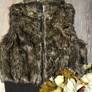 Forever 21 Women's fur vest size M